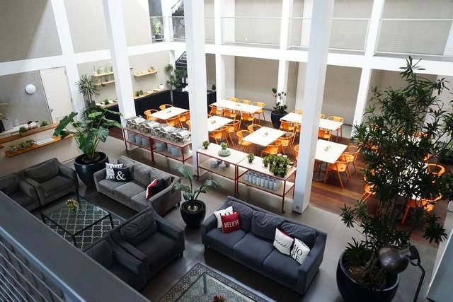 Sofa Lobby Dengan Warna Menarik