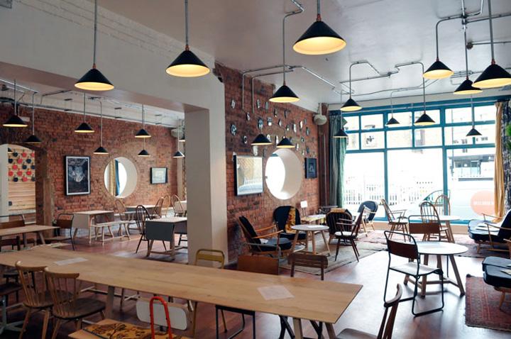 Dekorasi untuk Kafe Bergaya Klasik
